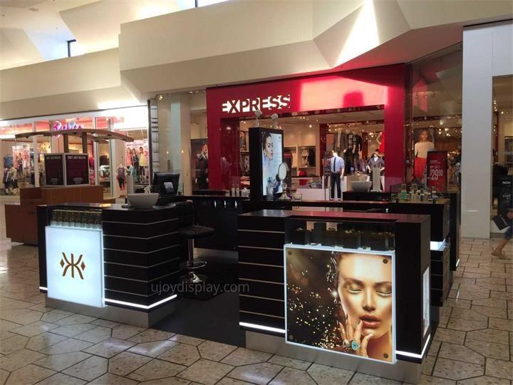 cosmetic mall kiosk_ujoydisplay (1)