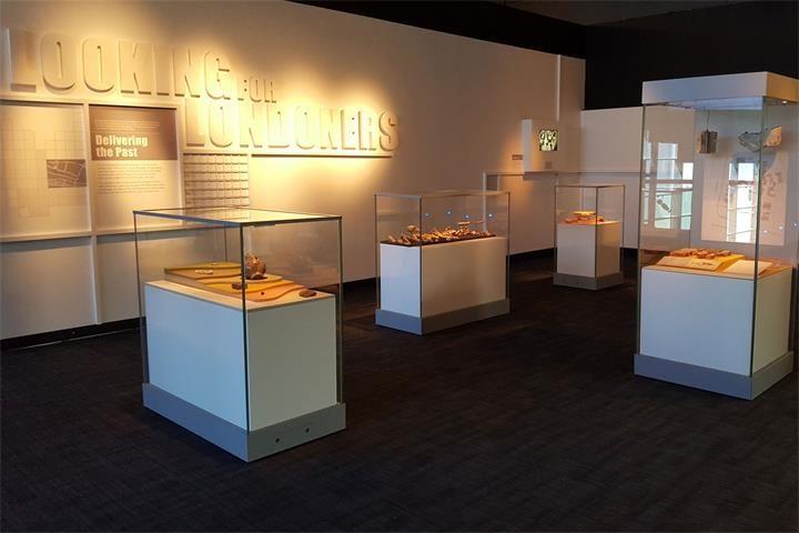 custom museum showcase_ujoydisplay (3)