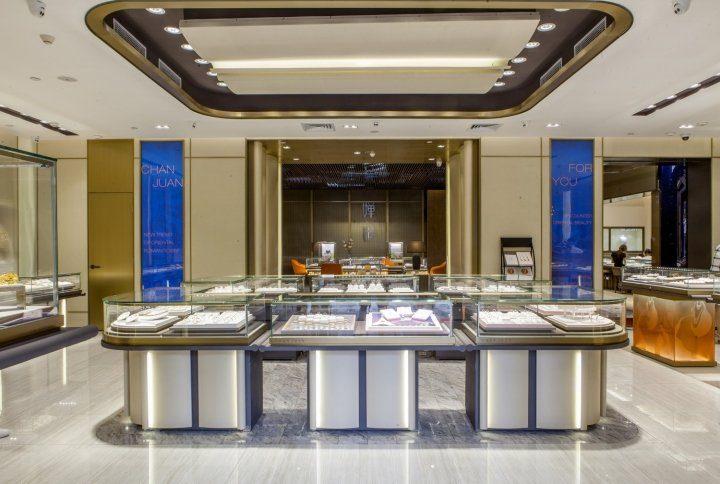 luxury jewelry store showcase 13